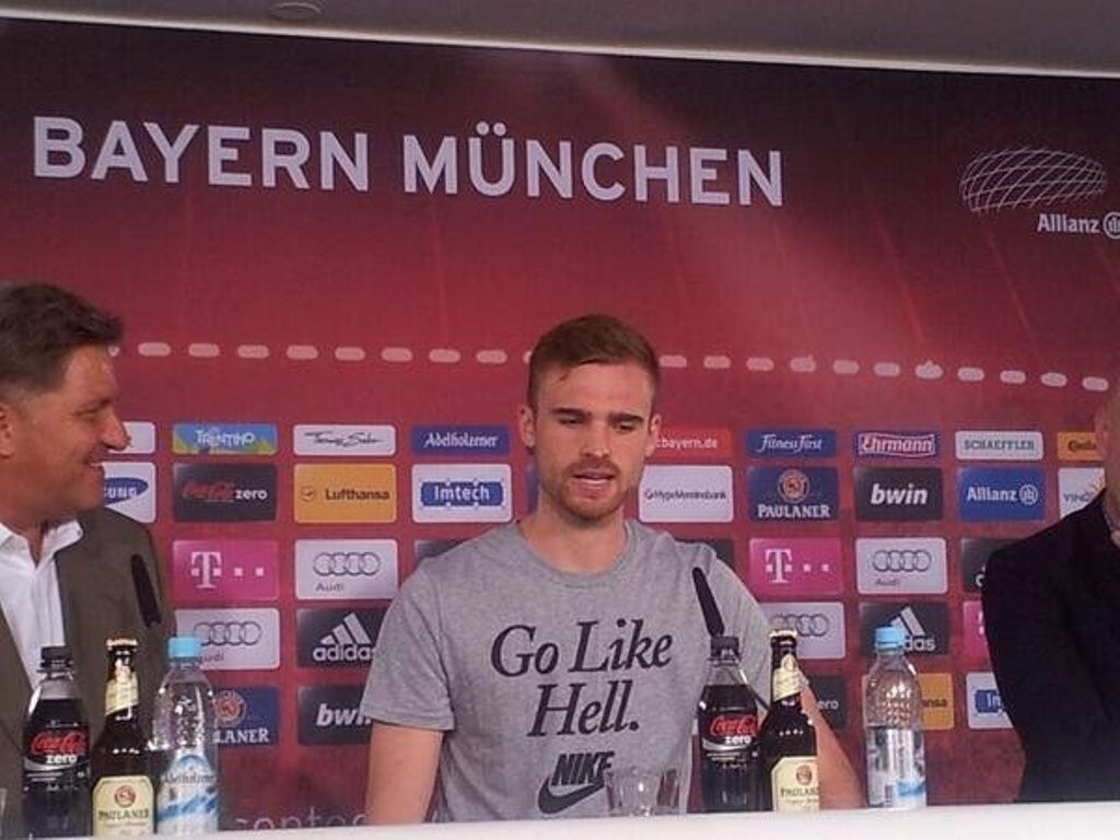 Jan Kirchoff pada sesi perkenalan Bayern Munchen (source : sundul.com)