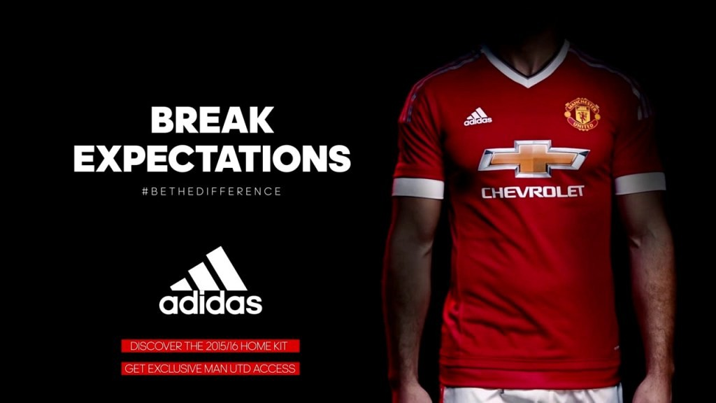 Manchester United dengan sponsor Adidas (source : 3.bp.blogspot.com)